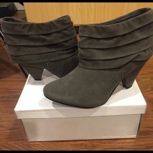 Forever 21 - Gray Ankle Bootie Heels - New In Box